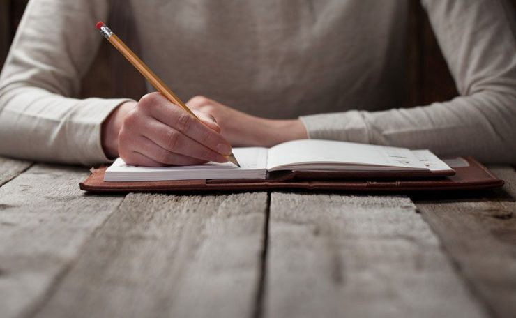 How to Approach Writing a Book Like a Professional
