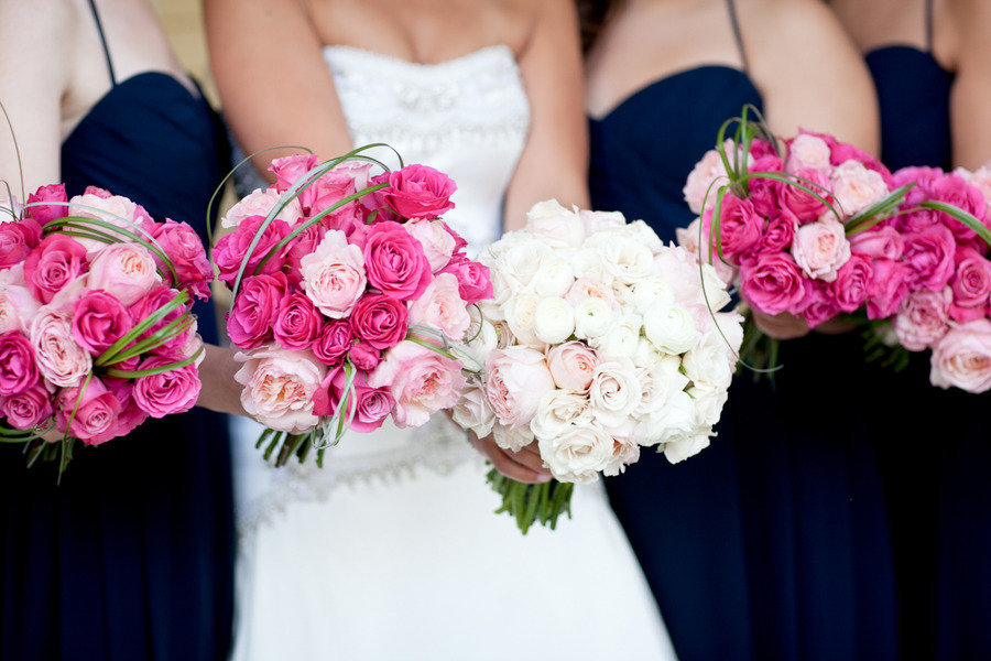 Tips on how to make a wedding flower bouquet